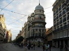 gracias a unas amigas sevillanas conocí y recorrí Sevilla allá por 2010, hoy la sigo sintiendo