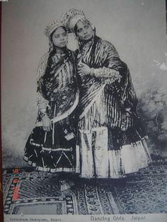 Various Vintage Photographs of Indian Nautch (Dancing) Girls - Old Indian Photos