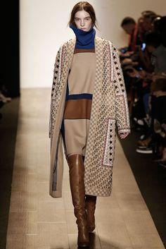 BCBG Max Azria - Fall 2015 Ready-to-Wear - Look 20 of 31