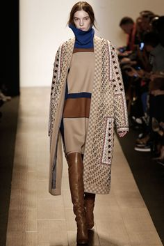 BCBG Max Azria - Fall 2015 Ready-to-Wear - Look 20 of 31