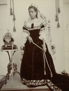 Queen Ranavalona III (1861-1917), last monarch of the Imerina Kingdom on Madagascar. She was the chosen successor to her aunt and her husband was Prime Minister Rainilaiarivony. The later had participated in several coups, served as supreme commander, limited the monarchial powers and also was the widower of said aunt - after the original husband was exiled ... who was his brother. The queen ruled 14 years but was dethroned and exiled by the expanding French who turned Madagascar into a…