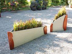 Pots à fleurs et jardinières design en 67 idées de déco extérieure Outdoor Sofa, Outdoor Furniture, Outdoor Decor, Jardiniere Design, Design Moderne, Garden Boxes, Southampton, Planter Pots, The Originals