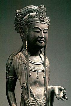 法隆寺・銅像観音立像(白鳳時代)