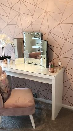 A Drop-Dead Gorgeous Dressing Room. A Unique and Beautiful Geometric Design by. - A Drop-Dead Gorgeous Dressing Room… A Unique and Beautiful Geometric Design by I Love Wallpaper. Visit www.ilovewallpape… for more colours and designs. Rose Gold Room Decor, Rose Gold Rooms, Rose Gold And Grey Bedroom, Grey Room Decor, Beauty Room Decor, Gold Bedroom Decor, Silver Bedroom, Bedroom Rustic, Bedroom Black