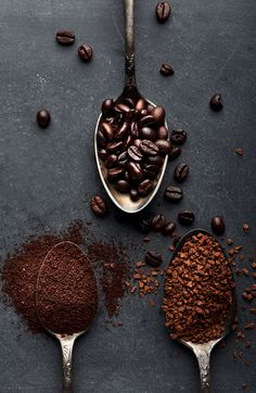 With so many brands, it is a gargantuan task to select one, but for the convenience of the buyers, we compiled the Top 10 Best Coffee Grinders that are efficient and have the ability to provide fresh coffee. Starbucks Coffee, Iced Coffee, Hot Coffee, Drinking Coffee, Coffee Drinks, Coffee Farm, Coffee Cozy, Coffee Latte, Morning Coffee