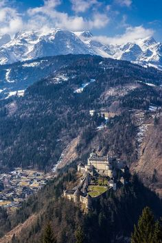 The castle and the mountains, Burg Hohenwerfen / Austria (by ttzvika). Tauern Bicycle route is in valley below. Europe Travel Tips, Places To Travel, Places To See, Palaces, Beautiful World, Beautiful Places, Simply Beautiful, Hohenwerfen Castle, Ghost House