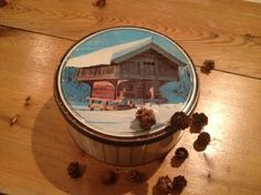 """For cakes! With picture of a Norwegian """"stabbur"""" on the lid. Norwegian Food, Folklore, Container, Cakes, Pictures, Art, Photos, Art Background, Cake Makers"""