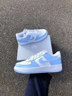 Light Blue Shoes, Nike Shoes Blue, Cute Nike Shoes, Nike Shoes Air Force, Cute Sneakers, Best Sneakers, Sneakers Fashion, Air Force Sneakers, Sneakers Nike