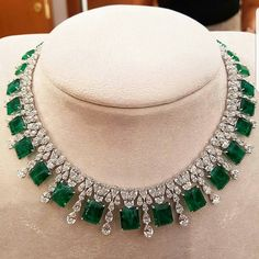 COLLIER WITH SYNTHETIC WHITE DIAMONDS AND EMERALD...#rome #italy
