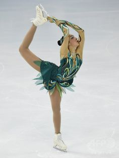 Rika Hongo 本郷理華    ラディオノワが首位発進、復帰のソトニコワは4位 ロシア杯 国際ニュース:AFPBB News