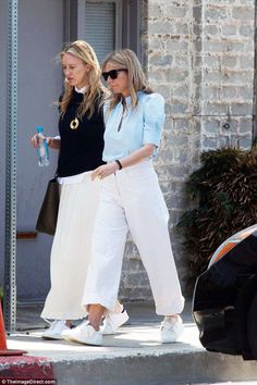 Gwyneth Paltrow looks youthful as she prepares for summer wedding | Daily Mail Online