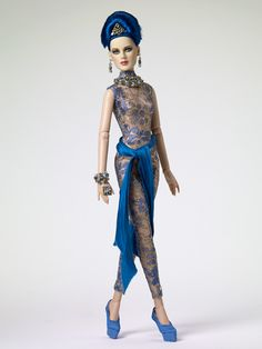 Tonner 2012: Intriguing, Precarious Collection Without her coat — WOW!!