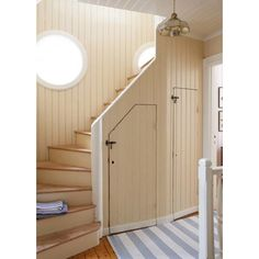 Cottage stairs with Swedish stripe runner Swedish Decor, Swedish Style, Coastal Living Rooms, Home And Living, Cottage Stairs, Under Stairs Cupboard, Cupboard Doors, Beach Cottage Decor, Rustic Cottage