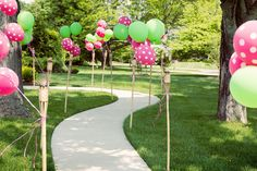 Lilly Pulitzer Birthday Party 5 cute ways to line the path to the house Baby 1st Birthday, Birthday Bash, First Birthday Parties, First Birthdays, Birthday Wishes, Birthday Ideas, Grad Parties, Themed Parties, Polka Dot Party