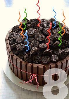 KitKat Oreo Cake 1 Gatherings: A Backyard Birthday with a KitKat Oreo Cake