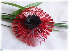 quilling, a poppy Quilling, Poppy, Bedspreads, Poppies, Quilting, Quilling Art