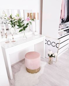 Dressing Table #dressing #table Ankleide Zimmer, Schlafzimmer, Zimmer  Einrichten, Begehbarer Kleiderschrank