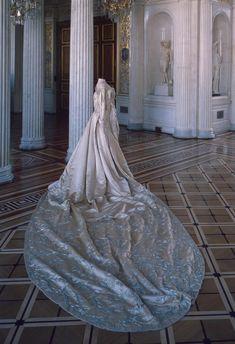 Court dress belonging to Empress Alexandra Fyodorovna. Made by O. N. Bulbenkova's Workshop, St. Petersburg. 1896. Satin, silver and silk thread. State Hermitage Museum.