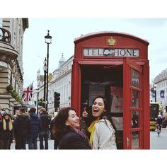 "104 curtidas, 7 comentários - Natália Catelan (@nataliacatelan) no Instagram: ""Atende aí vó 🙈 #london #leicestersquare #muitobestas #puxeiela"""