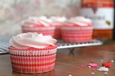 http://www.iheartnaptime.net/20-spring-cupcakes/?utm_source=feedburner_medium=feed_campaign=Feed%3A+Iheartnaptime1+%28I+heart+nap+time+%29_content=Google+Reader      20 Yummy Spring Cupcake Recipes!