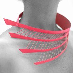 Paonne, paper jewel by LOUISE CHARLIER  Design Vlaanderen