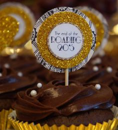 The End of the Roaring 20's Great Gatsby Cupcake by OneMoreChapter