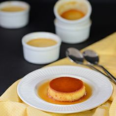 Easy and effortless dessert for thanksgiving or any party, flan with richness of cream and caramel flavor.