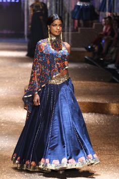 JJ Valaya & Alpana Neeraj | Amazon India Fashion Week spring/summer 2017 #jjvalaya #AIFWSS2017 #PM