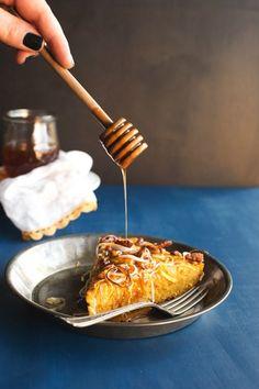 Pumpkin, Leek, & Pecan Cornbread with Spicy Honey | hungrygirlporvida.com