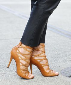 The $0 trick to walk in heels without pain: http://trib.al/JbeFmai