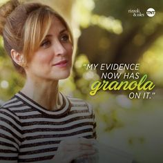 """Omg the first time I saw her wear her hair I thought, """"Maura looks like Tinkerbell!!"""""""