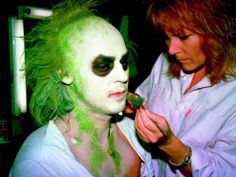 Ve Neill applies the Beetlejuice Makeup on Michael Keaton (1988)
