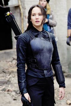 """Jennifer Lawrence as Katniss in """"Mockingjay - behind the scenes Hunger Games Cast, Hunger Games Fandom, Hunger Games Catching Fire, Hunger Games Trilogy, Mockingjay Costume, Katniss Costume, Katniss Everdeen, Jennifer Lawrence Pics, Suzanne Collins"""
