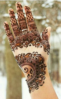 Awesome bridal henna art! #mehndi #mehendi #mehandi #henna #art #artist #wedding #marriage #india #bride #brides #bridal #mendhi #mehndi #indianbride #fashion #tattoo