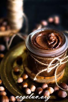 Home-made hazelnut cream. My favourite nutella, ever!