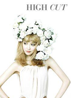 금발이 너무해 '소녀시대 수영' - 하이컷 77호 from Twitter @highcutstar / May 16, 2012 #Sooyoung #SNSD