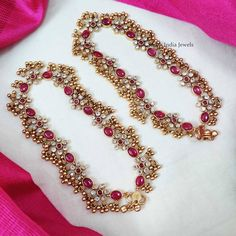 Temple Jewellery Designs By South India Jewels! Fancy Jewellery, South Indian Jewellery, Temple Jewellery, Indian Jewelry, Anklet Designs, Necklace Designs, Jewelry Tags, Bridal Jewelry, Gold Bangles Design