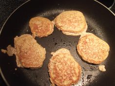 George Stella's No Flour, No Sugar Pancakes have only 160 calories and 4 net carbs.