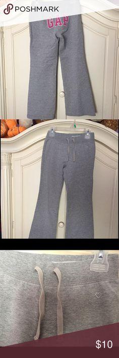 Gap flare leg sweatpant Gently used GAP Bottoms Sweatpants & Joggers