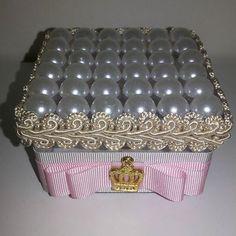 Caixa de acrílico personalizada para lembrancinha de Nascimento. Ateliê D'Luxo…