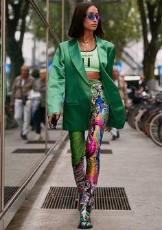 See the Latest Milan Fashion Week Street Style Spring 2020 Milan Fashion Week Street Style, Street Style Edgy, Spring Street Style, Milan Fashion Weeks, Street Chic, Paris Fashion, Moda Paris, Funky Fashion, Mode Inspiration