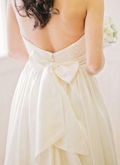 bow gown   Amy Arrington #wedding