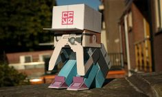 Crackboy Paper Toy - by Roel Van Eekelen - via DeviantArt  --   A very nice paper toy by dutch designer Roel van Eekelen, originally posted at DeviantArt website.