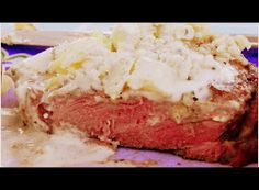Gift of Simplicity: Cream Sauce for Steak with Garlic and Blue Cheese