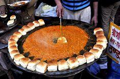 Pav Bhaji, A Mumbai speciality - List of the best food recipe Mumbai Street Food, Best Street Food, Indian Street Food, India Street, Mumbai City, Puri Recipes, Indian Food Recipes, Snack Recipes, Snacks