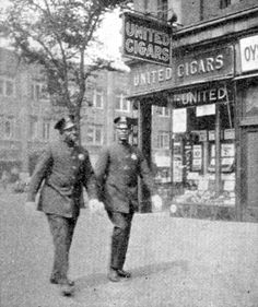 Policemen in Harlem, 1929. Schomburg Center for Research in Black Culture, Jean Blackwell Hutson Research and Reference Division, New York Public Library.
