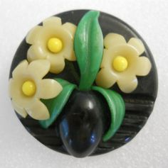 LARGE VINTAGE CELLULOID MULTI-FLOWER BUTTON WEEBER-LIKE PERFECT CONDITION