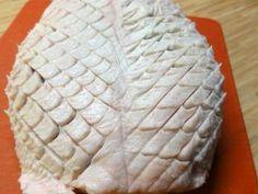 Jak připravit kachní prsa se zeleninovým salátem | recept | jaktak.cz Food And Drink, Cheese, Desserts, Mime Artist, Tailgate Desserts, Deserts, Postres, Dessert, Plated Desserts