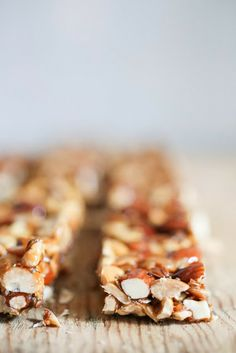 Coconut Almond Bars Healthy gluten free and vegan granola bars with nuts, coconut