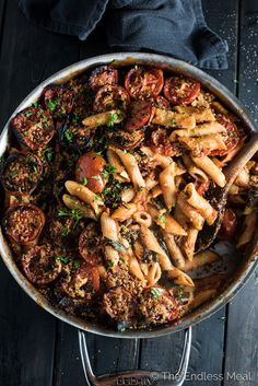 One Pot Vegan Pasta is the ultimate easy and delicious dinner recipe. The pasta is cooked in a spicy sun-dried tomato and roasted red pepper sauce then covered in tomatoes and buttered breadcrumbs and broiled to perfection. | theendlessmeal.com busy mom, healthy mom, healthy food, health and fitness, pasta